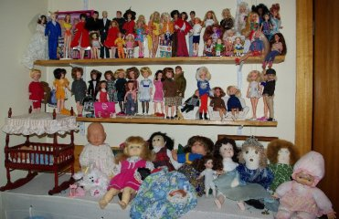 The Sindy and vintage Barbie shelves were rearranged.